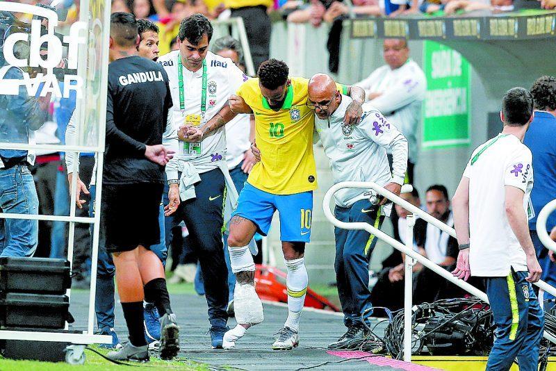 Copa América de 2019: Em baixa com a torcida brasileira, Neymar sofreu lesão em amistoso nas vésperas da estreia do Brasil na Copa América. E novamente ficou fora de uma competição. O Brasil foi campeão sem ele. - Foto: DIDA SAMPAIO/ESTADÃO CONTEÚDO/ND
