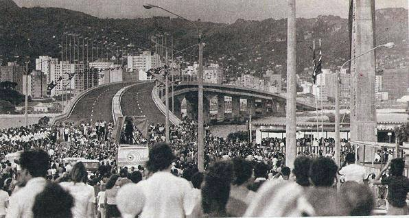 Inauguração da ponte Colombo Salles em 8 de março de 1975 - Arquivo Casa de Memória/Divulgação/ND