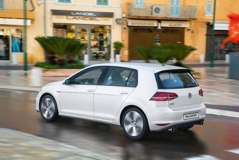 Volkswagen Golf GTI 2.0 - R$ 134.870 - Foto: Divulgação - Foto: Divulgação/Garagem 360/ND