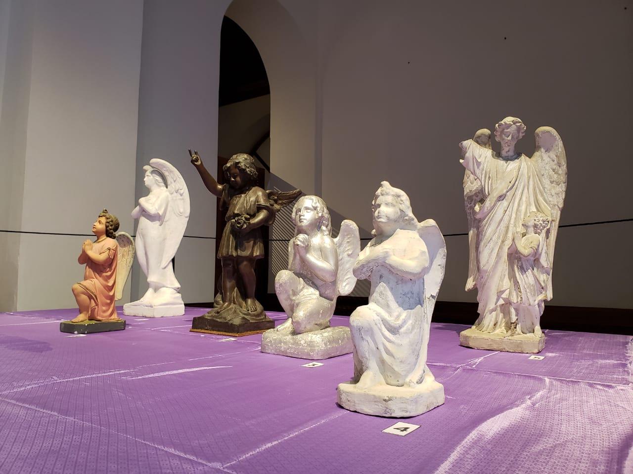 Os anjos, que comumente adornam as lápides - Carolina Rios/ASCOM FCC/DIVULGAÇÃO/ND