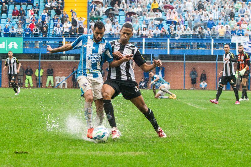 Avaí x Figueirense, pela Série A 2015. O penúltimo encontro entre as equipes na elite do futebol nacional - Marco Santiago/ND