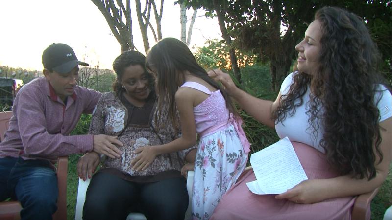 Família espera pela chegada dos dois bebês – Foto: RICTV/Divulgação/ND