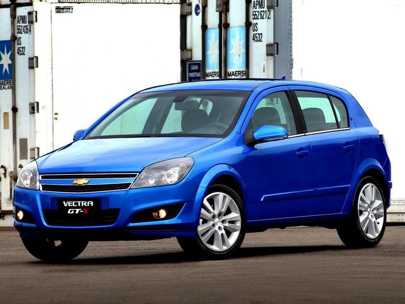 Dois anos depois, em 2009, a leve mudança visual foi apresentada em um modelo pintado de azul - Foto: Divulgação - Foto: Divulgação/Garagem 360/ND
