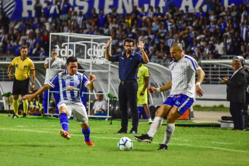 Alberto Valentim, em derrota para o CSA, pode ter sido a penúltima partida do técnico a frente do Leão da Ilha Francisco Cedrim/Estadão Conteúdo/ND