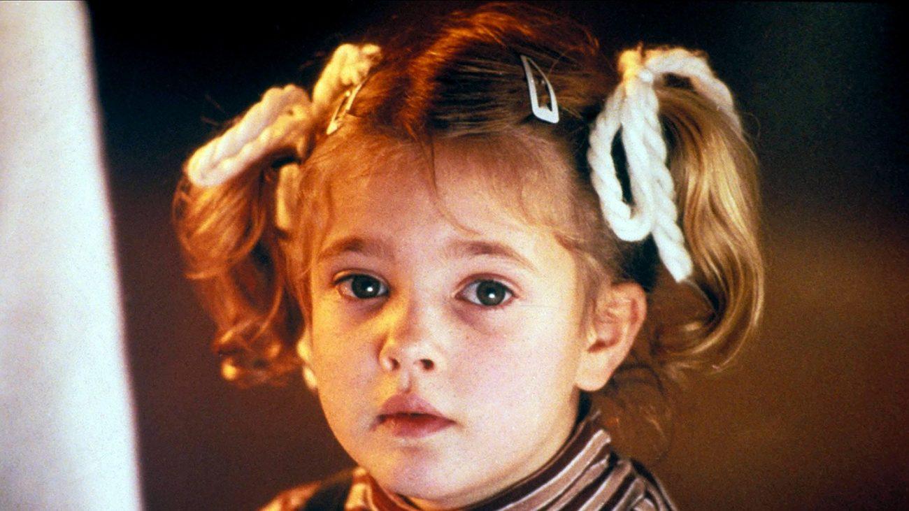 Drew Barrymore estreou em um anúncio aos 11 meses, mas foi com sua Gertie em o E.T.: O Extraterrestre, em 1982, que ela conquistou a plateia. - Divulgação/ND