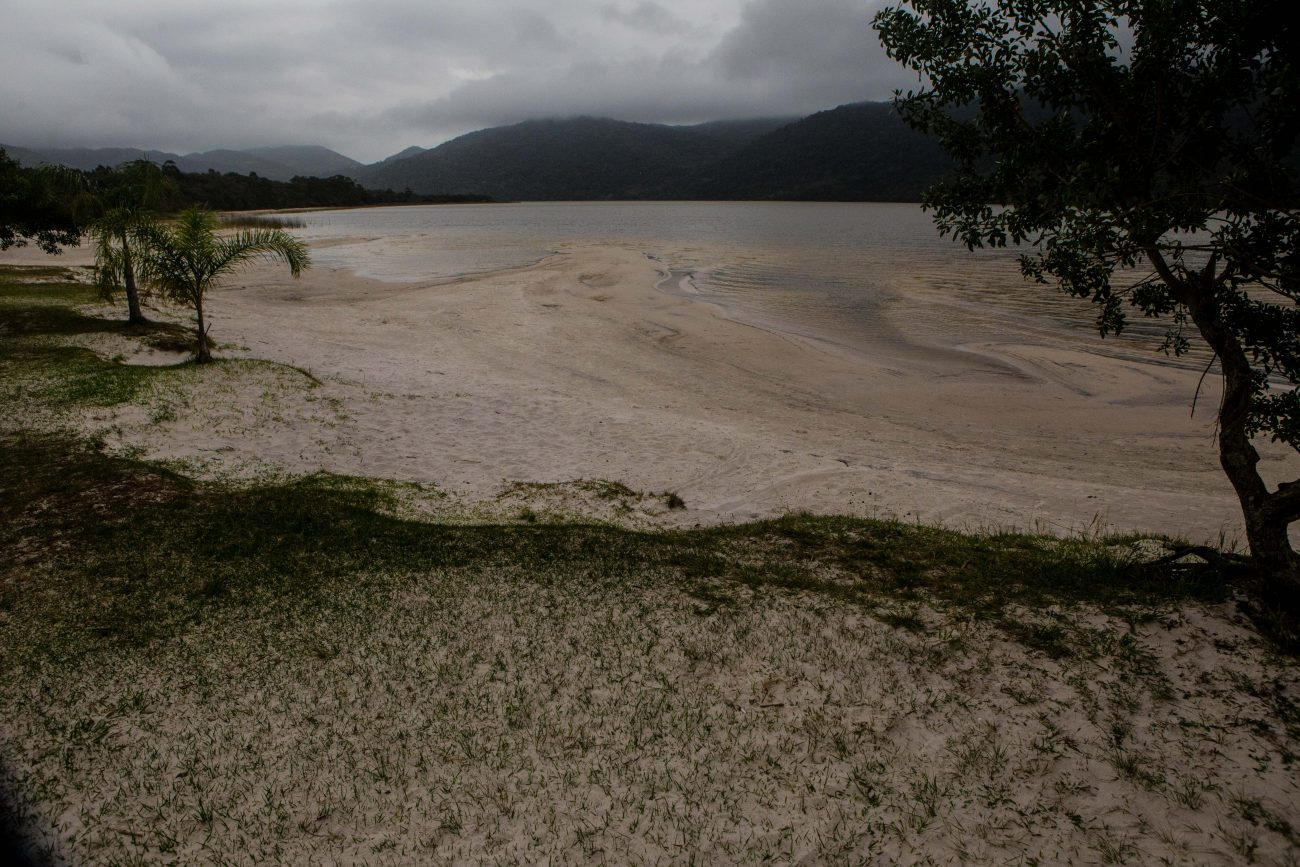 Na sequência, a água passa por bateria de filtros descendentes formados por camadas de areia e seixos. - Flavio Tin/ND