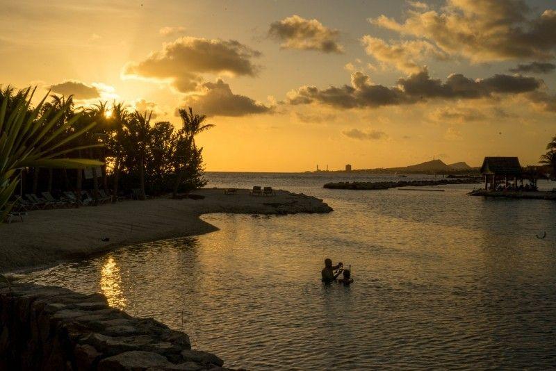 Curaçao também fica próxima da costa da Venezuela, ao lado de Aruba. Foi colonizada por holandeses e preserva até hoje trações do país europeu em sua arquitetura - Visualhunt.com - Visualhunt.com/Rota de Férias/ND