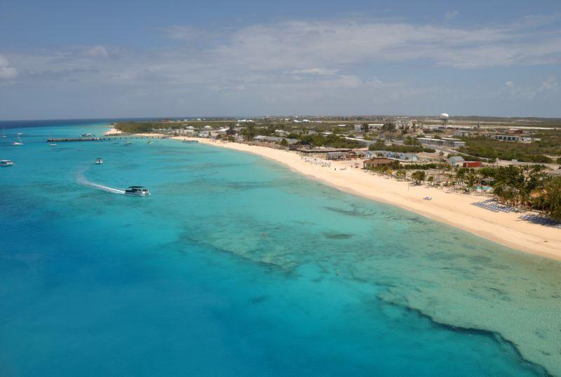As Ilhas de Turks e Caicos ficam no arco das Antilhas, na região de Cuba e da República Dominicana. Elas pertencem ao Reino Unido e contam com opções luxuosas de hospedagem e serviços - James Willamor on Visual Hunt / CC BY-SA - James Willamor on Visual Hunt / CC BY-SA/Rota de Férias/ND