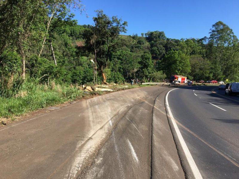 Motorista morreu no local do acidente – Foto: Bombeiros/Divulgação/ND