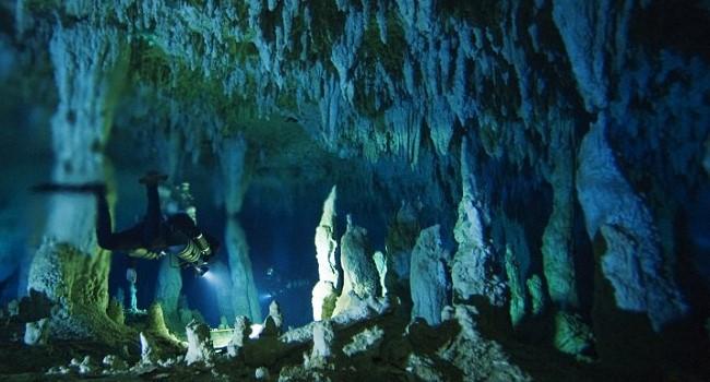 O Santuário – Uma expedição para uma caverna submarina não rola como o planejado e a coisa toda dá ruim. - Foto: Divulgação/33Giga/ND