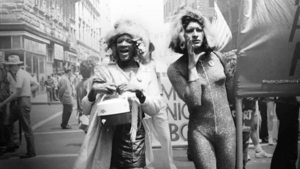 A Morte e Vida de Marsha P. Johnson (2017) – Enquanto enfrenta uma onda de violência contra mulheres trans, a ativista Victoria Cruz investiga a morte de sua amiga Marsh P. Johnson, em 1992. - Crédito: Divulgação/33Giga/ND