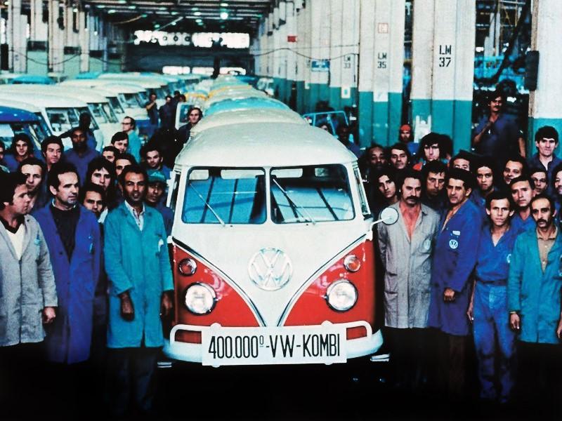 VW Kombi (1959* a 2013): *montada no Brasil desde 1957 - Foto: Divulgação - Foto: Divulgação/Garagem 360/ND