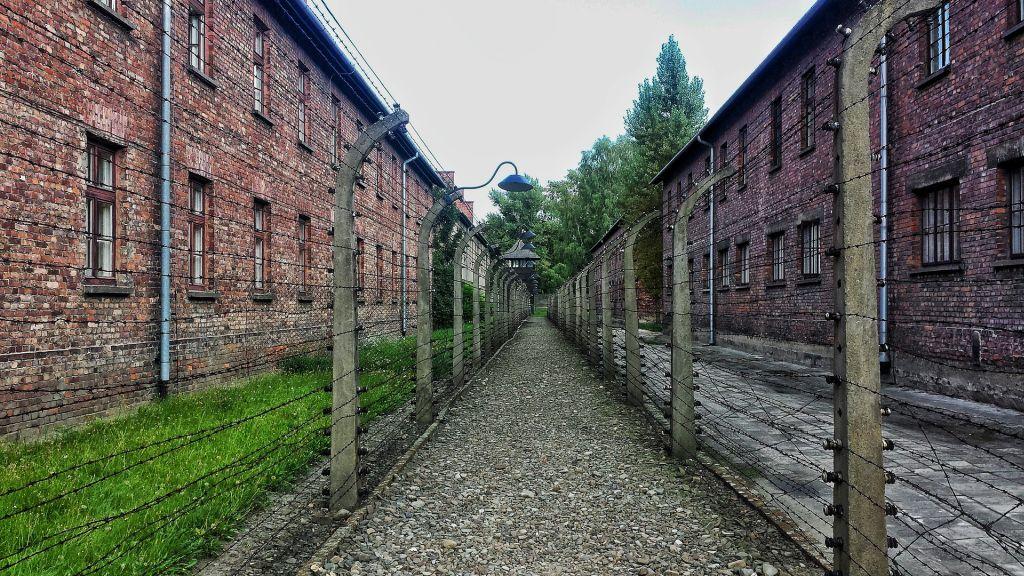 Auschwitz, Polônia - Pixabay - Pixabay /Rota de Férias/ND