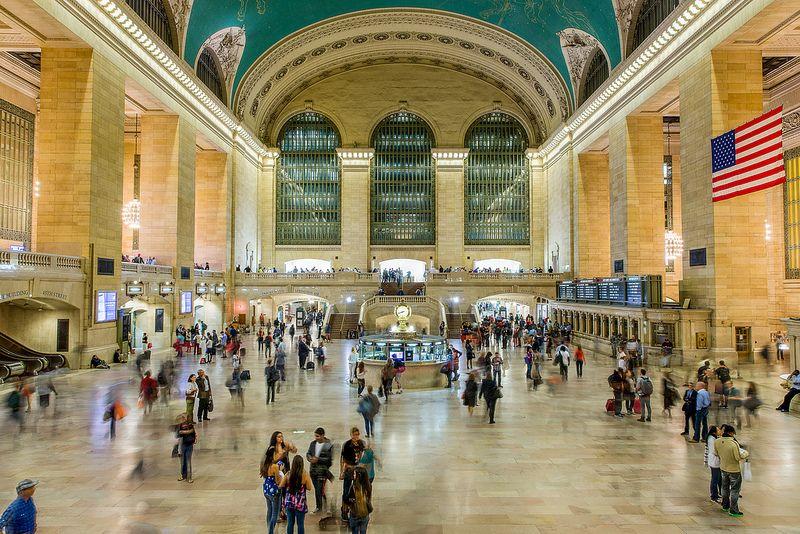 A Grand Central Terminal é um dos muitos cartões-postais de Nova York, nos Estados Unidos. O local é bastante familiar dos viajantes por servir de palco para a gravação de filmes, seriados e programas de televisão - chris.chabot via Visual hunt / CC BY-NC - chris.chabot via Visual hunt / CC BY-NC/Rota de Férias/ND