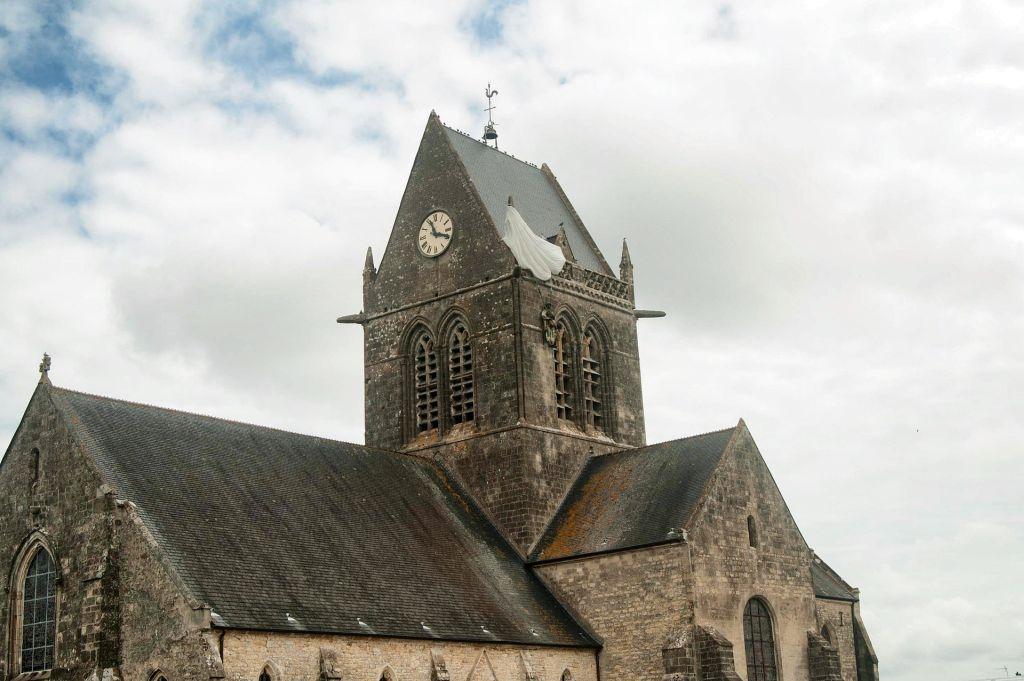 Sainte-Mère-Église, França - Pixabay - Pixabay /Rota de Férias/ND