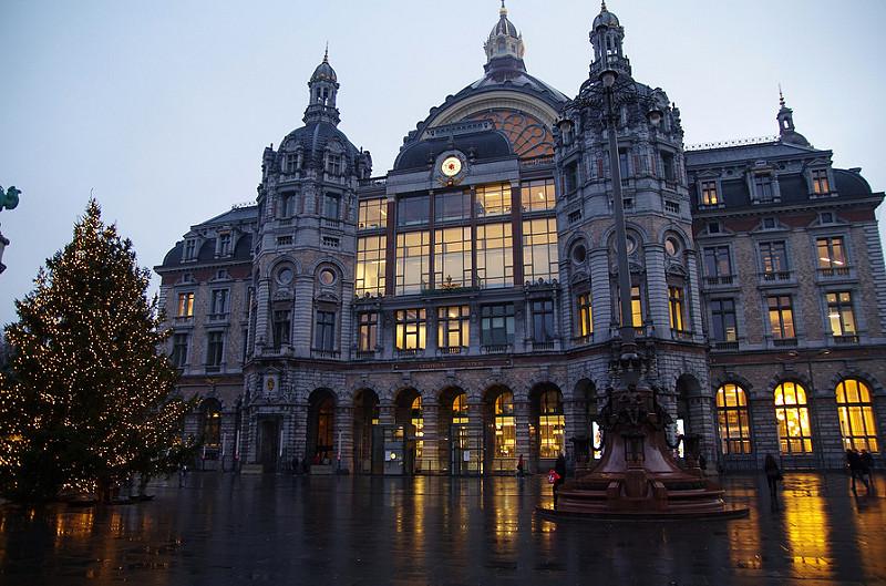 A arquitetura do prédio é um dos diferenciais da estação Central da Antuérpia, na Bélgica - sarowen via VisualHunt / CC BY-NC-ND - sarowen via VisualHunt / CC BY-NC-ND/Rota de Férias/ND