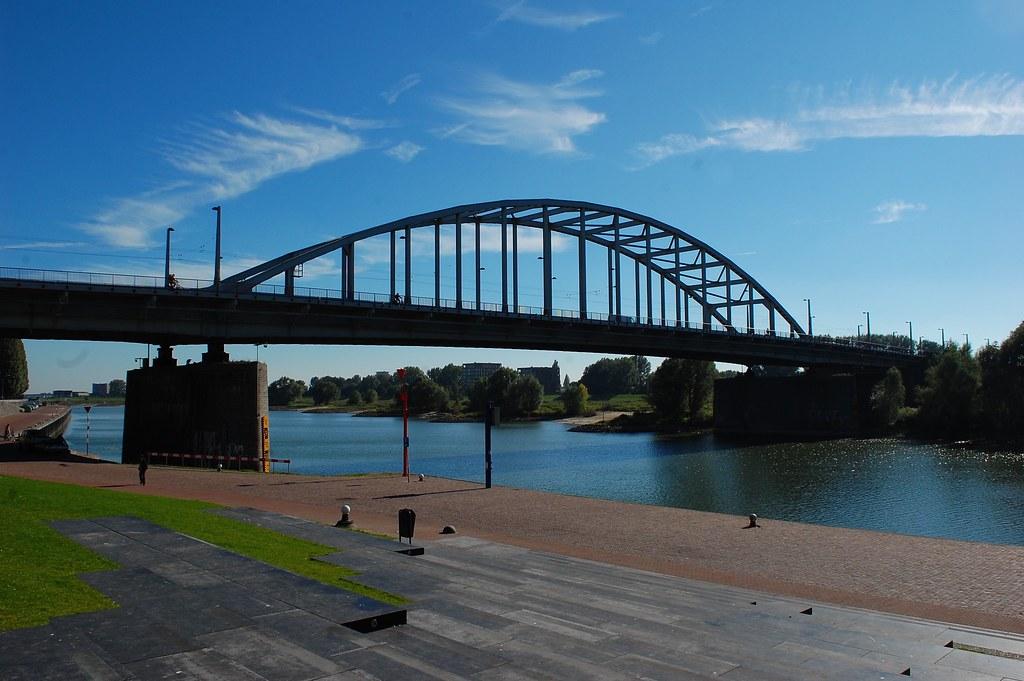 Ponte John Frost, Países Baixos - A ponte é um ponto turístico em referência aos locais de batalha em torno de Arnhem - remcclean on Visual hunt / CC BY-NC-ND - remcclean on Visual hunt / CC BY-NC-ND/Rota de Férias/ND