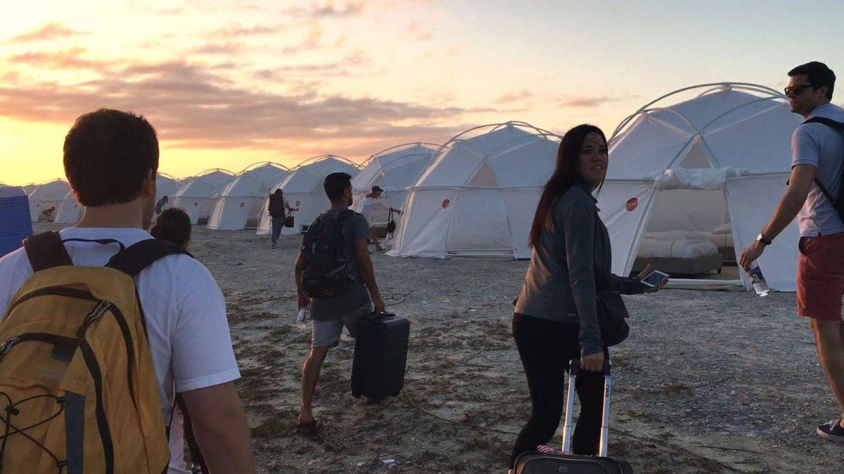 Fyre Festival: Fiasco no Caribe (2019) – O Fyre Festival prometia ser uma experiência musical de luxo em uma ilha exclusiva, mas a arrogância de seu produtor colocou tudo a perder. - Crédito: Divulgação/33Giga/ND