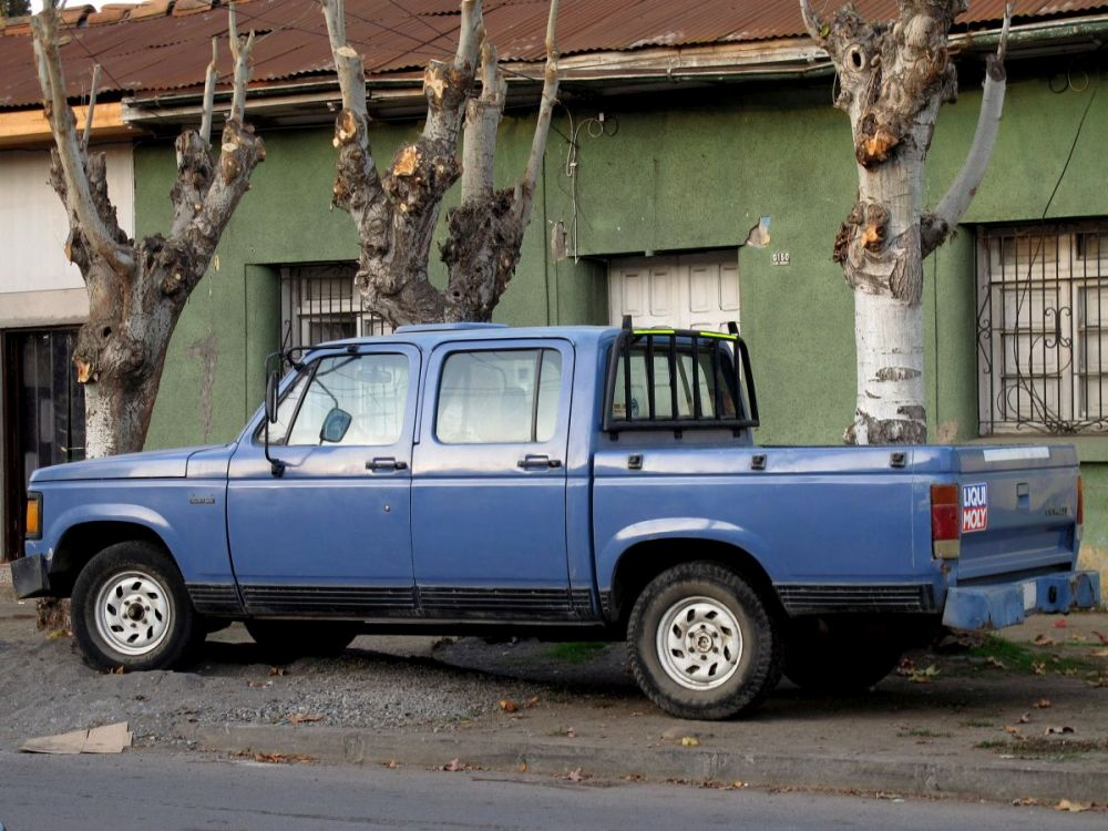 Chevrolet D20 - Foto: By order_242 from Chile (Chevrolet C-20 Custom Crew Cab 1992) [CC BY-SA 2.0], via Wikimedia Commons - Foto: By order_242 from Chile (Chevrolet C-20 Custom Crew Cab 1992) [CC BY-SA 2.0], via Wikimedia Commons/Garagem 360/ND