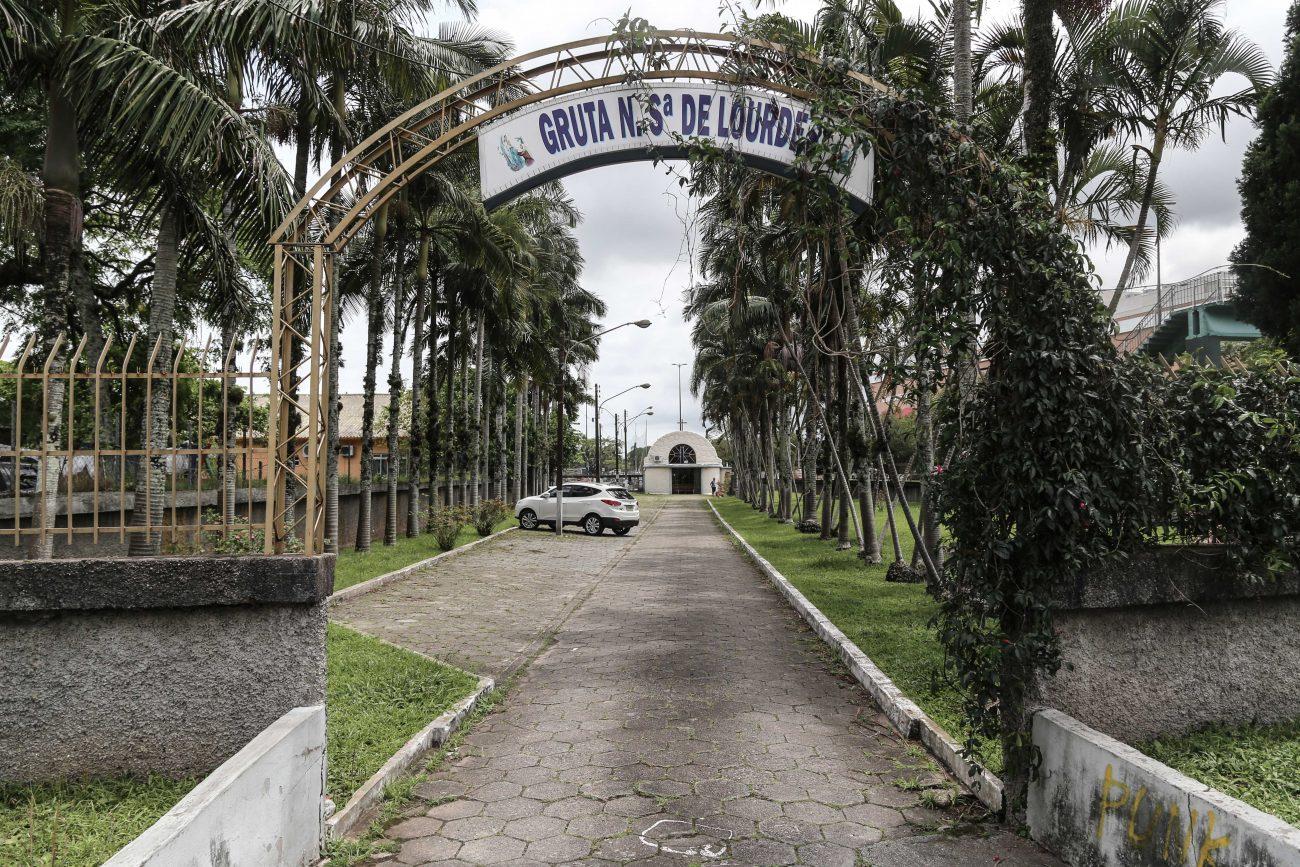 Gruta Nossa Senhora de Lourdes, inaugurada em 1913. Avenida Madre Benvenuta era conhecida como rua da Gruta, até a década de 1950 - Anderson Coelho/ND