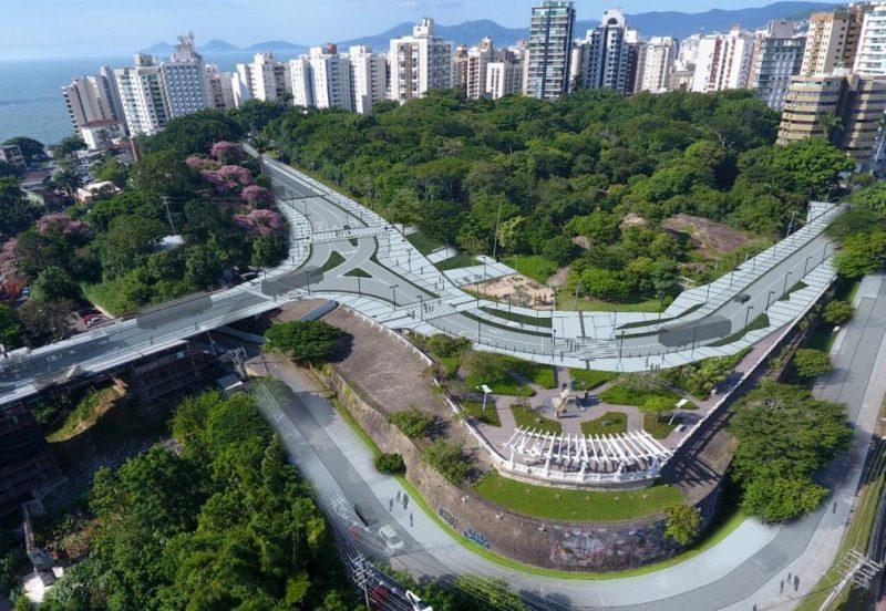 O novo desenho, com os entornos e boulevard, na cabeceira insular da ponte – Foto: Divulgação/ND