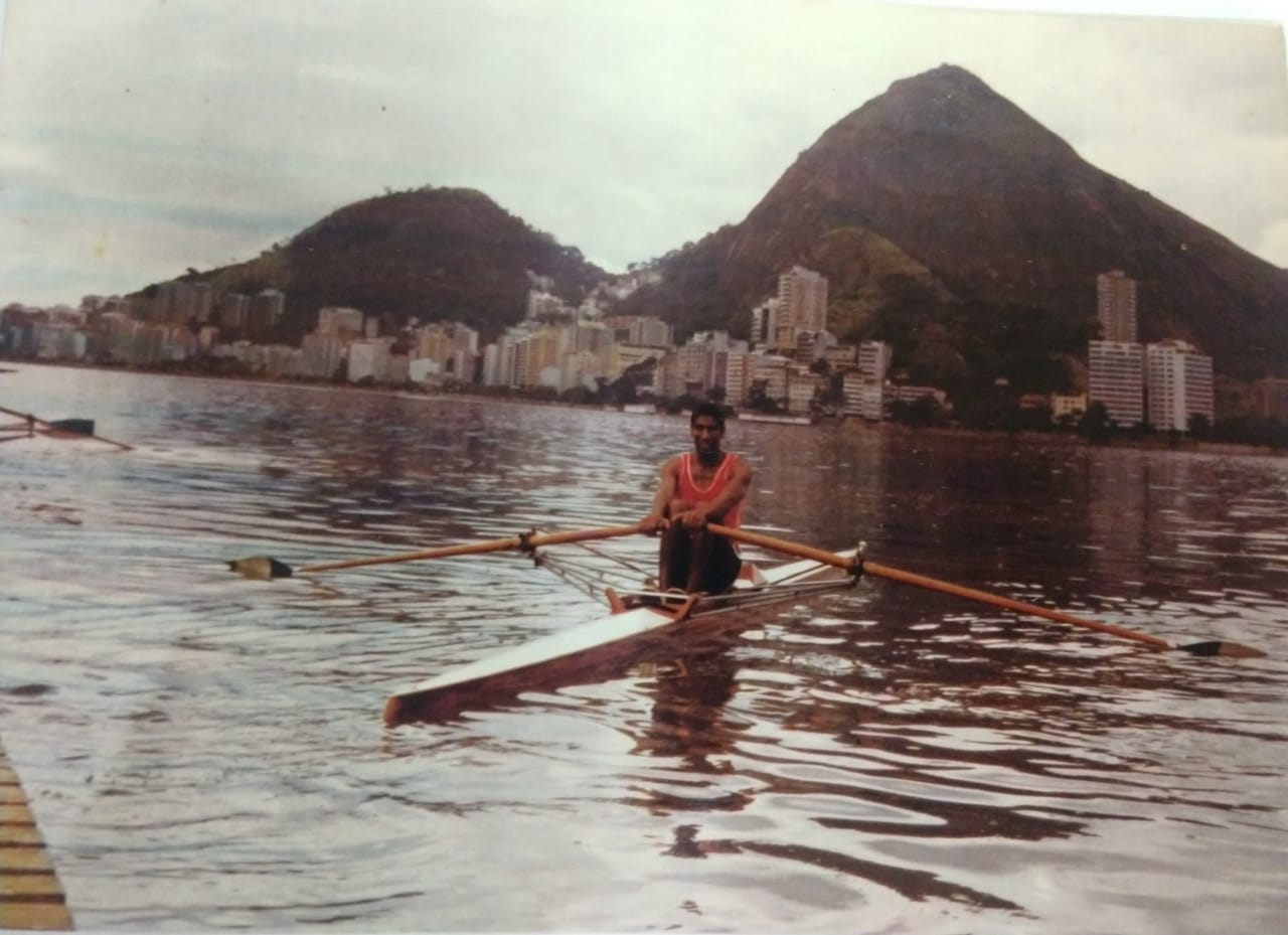 """""""É difícil contar a minha história e não contar a história do meu pai"""", conta. O pai, Antônio Luiz Vilela, foi o primeiro da família a entrar no remo - Arquivo Pessoal/Divulgação/ND"""