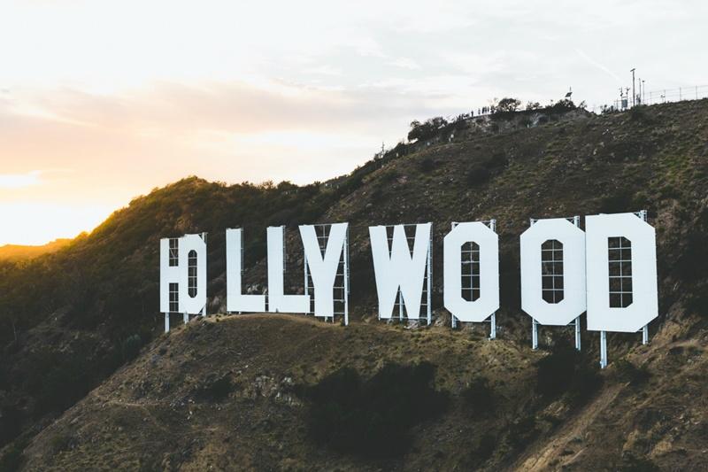Para os turistas que não gostam de tanto frio, Los Angeles, na Califórnia, é um ótimo destino. Por R$ 16.647, os viajantes têm 2 semanas para conhecer os estúdios de gravação de filmes e andar pela Calçada da Fama - Ahmet Yalçınkaya on Unsplash - Ahmet Yalçınkaya on Unsplash/Rota de Férias/ND