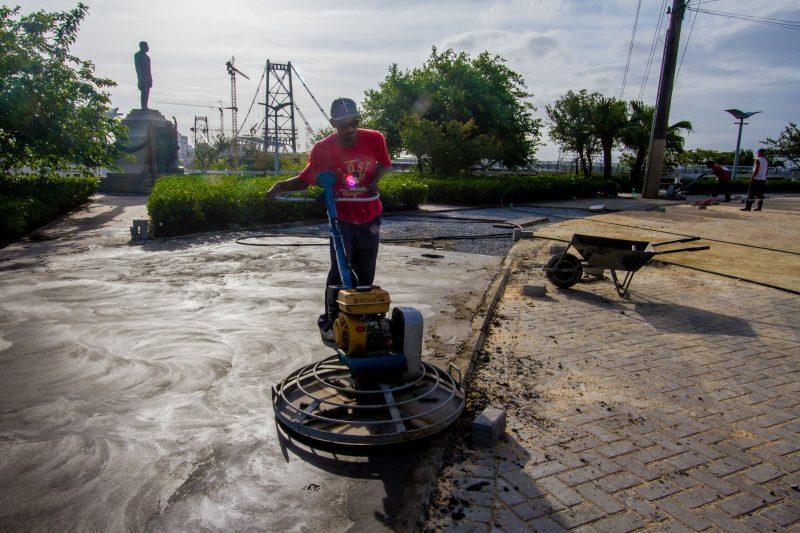 Na reta final dos trabalhos na cabeceira insular da ponte Hercílio Luz – Foto: Foto Flavio Tin/ND