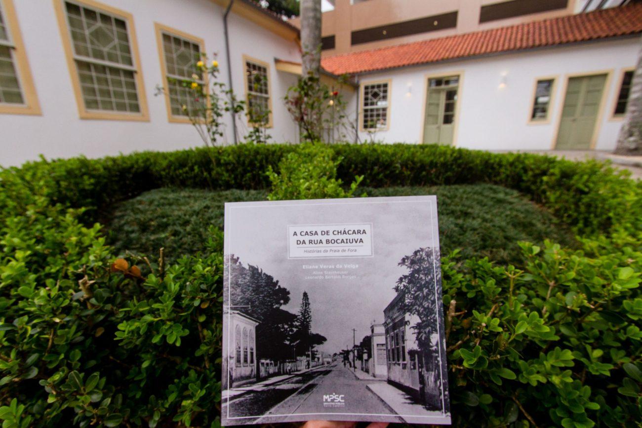 Obra é organizada pela professora e arquiteta Eliane Veras da Veiga com os colegas Aline Steinheuser e Leonardo Bertoldi Borges - Foto Flavio Tin/ND
