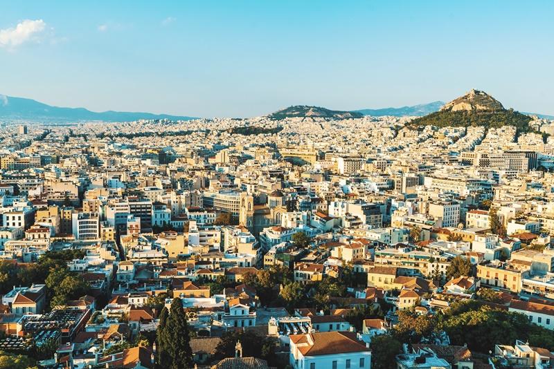 Por R$ 10.898, os turistas têm passagem aérea e hospedagem, no Divani Palace Acropolis inclusos no pacote, para aproveitar Atenas, na Grécia - Evan Wise on Unsplash - Evan Wise on Unsplash/Rota de Férias/ND