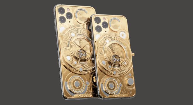 Recentemente, a empresa russa lançou uma capinha para o iPhone 11 Pro com diamantes incrustado no valor de mais de 70 mil dólares, cerca de R$ 293 mil. O produto está esgotada no site da fabricante - Reprodução/Caviar