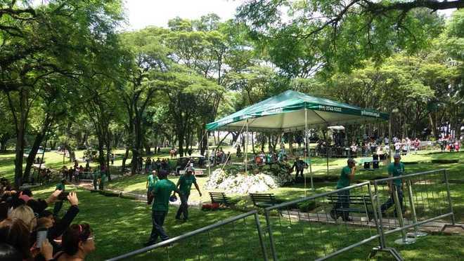 O sepultamento chegou ao fim no mesmo horário - Ana Luísa Vieira/R7