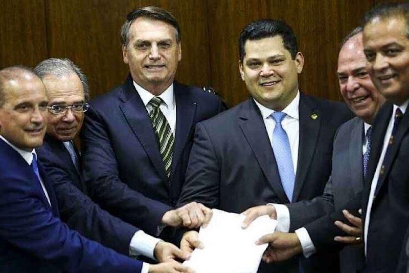 Governo estima que a PEC do pacto federativo poderá representar a transferência de R$ 12 bilhões para Estados e municípios- Foto: Divulgacão/Paulo Alceu/ND