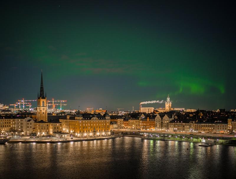 Com menos de 18 mil é possível conhecer Estocolmo, na Suécia. Por R$ 13.860, os viajantes aproveitam a cidade, hospedados no Radisson Blu Royal Viking Hotel - Micael Widell on Unsplash - Micael Widell on Unsplash/Rota de Férias/ND