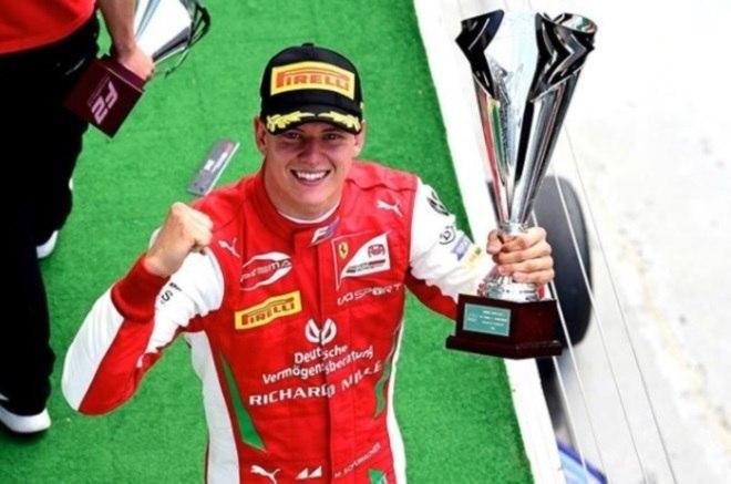 Mick Schumacher vence a temporada na Fórmula 2 – Foto: Reprodução/Instagram Mick Schumacher