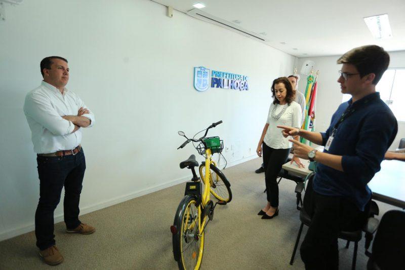 Bicicletas estarão disponíveis para a população até o dia 15 de dezembro no Centro e nos bairros Pagani, Ponte do Imaruim, Pedra Branca e Madri – PMP/Divulgação/ND