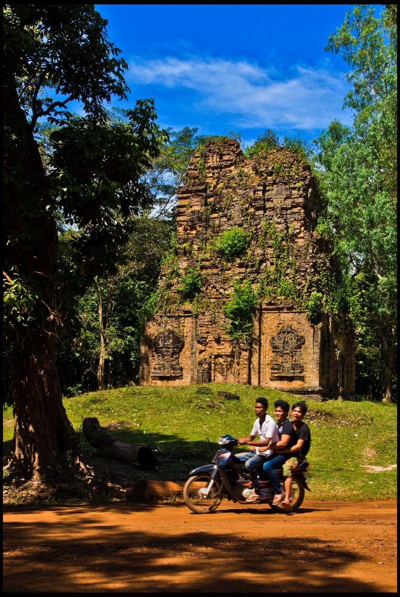 Templo Sambor Prei Kuk, no Camboja, na região do sítio arqueológico da Antiga Ishanapura. Ainda há ruínas na região, que foi capital de um antigo império, entre séculos cinco e seis - guillenperez on Visual Hunt / CC BY-ND - guillenperez on Visual Hunt / CC BY-ND/Rota de Férias/ND