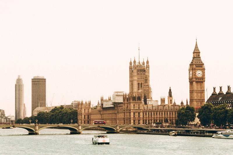 Por R$ 14.687, os turistas poderão conhecer Londres, no Reino Unido. O pacote inclui 14 noites no Novotel London Waterloo e a passagem aérea - Ugur Akdemir on Unsplash - Ugur Akdemir on Unsplash/Rota de Férias/ND