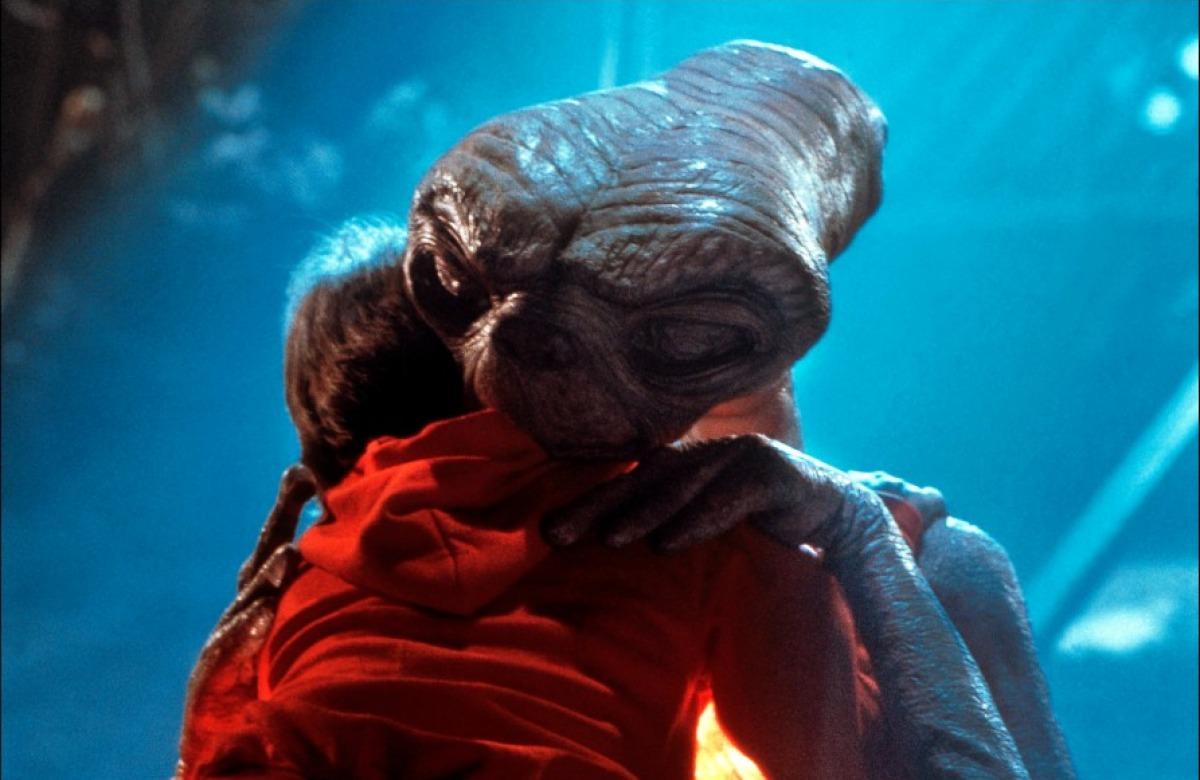 09/11 – E.T.: O Extraterrestre (1982): Um garotinho fica amigo de um alienígena gentil e precisa fazer de tudo para protegê-lo do governo e ajudá-lo a voltar para a casa. - Crédito: Divulgação /33Giga/ND