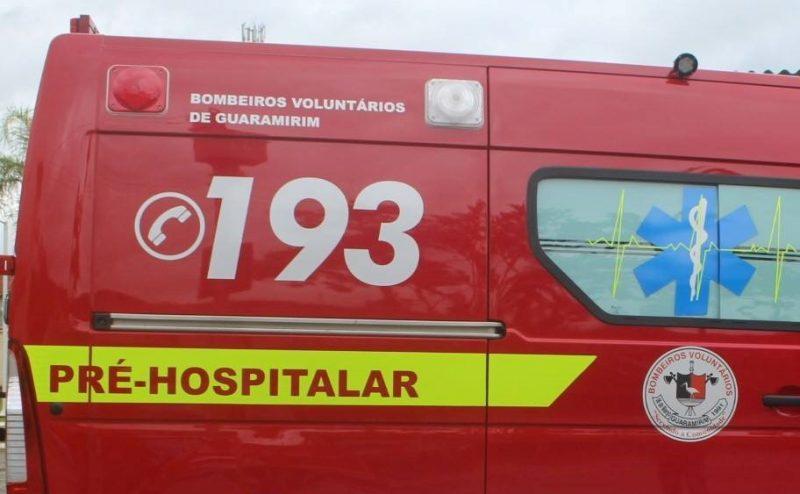 Ciclista foi atropelado na BR-280 – Foto: Bombeiros Voluntários de Guaramirim/