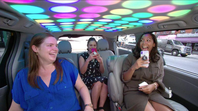Cash Cab (Uma temporada) – Este game show dá dinheiro a viajantes dos Estados Unidos que pegam um táxi e respondem corretamente a perguntas de cultura geral. - Crédito: Divulgação/33Giga/ND