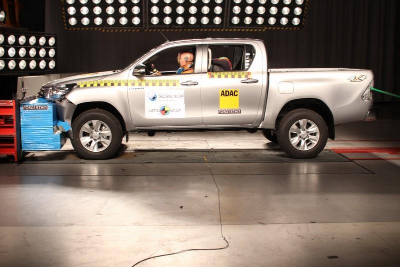 Os modelos Toyota Hilux e SW4 obtiveram a nota máxima (cinco estrelas) para adultos e crianças - Foto: Divulgação - Foto: Divulgação/Garagem 360/ND