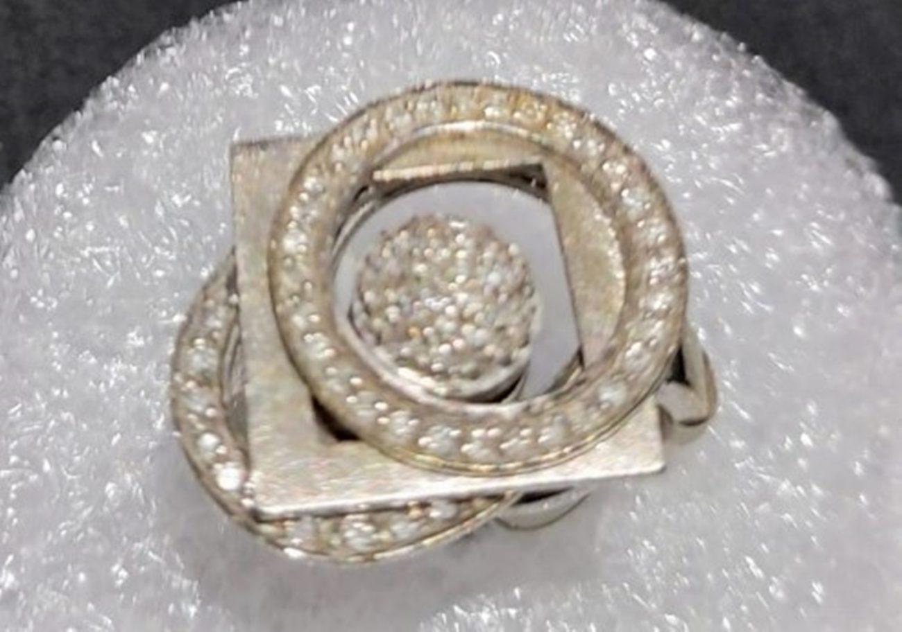 Anel em ouro branco e diamante - Divulgação/ND