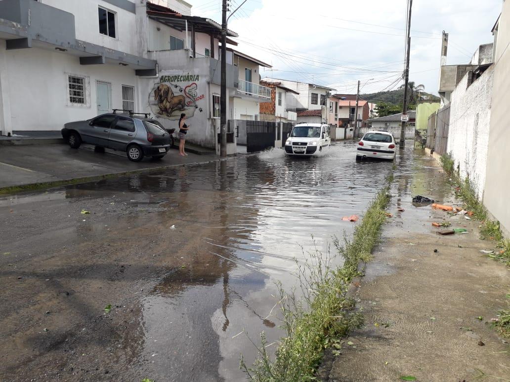 Rua alagada no bairro Flor de Napólis, São José - Divulgação/ND