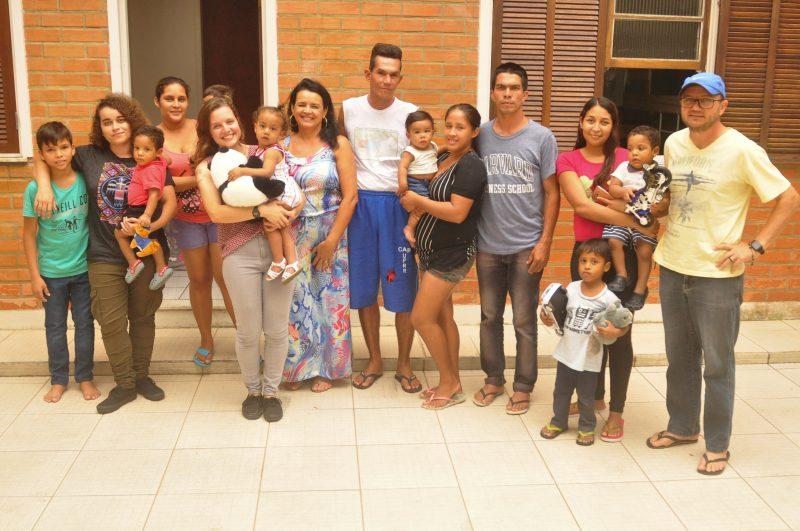 Grupo de imigrantes venezuelanos comemora o primeiro Natal no Brasil- Foto: Gabriel Lain/ND