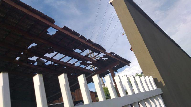 Defesa Civil contabiliza estragos nesta segunda-feira (2), mas cerca de 30 residências foram atingidas - Bombeiros Voluntários de Indaial