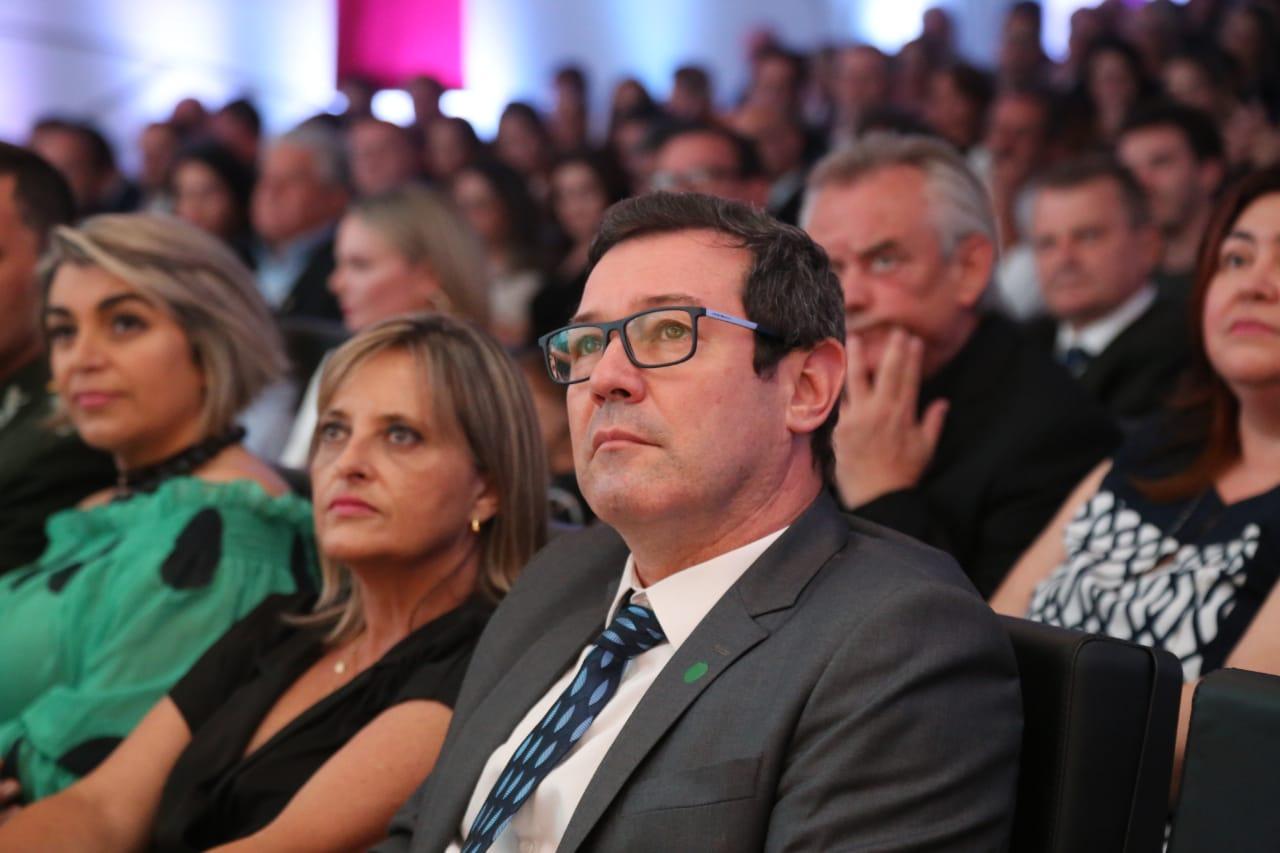 Silvano Silva, diretor regional do Grupo RIC em Joinville, Blumenau e Itajaí, e presidente eleito da Acaert - Anderson Coelho/ND