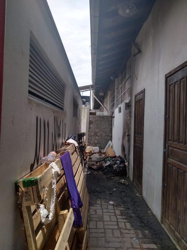 Apenas uma parede, uma porta, uma janela e uma lâmpada foram danificados - Juliano Masselai/NDTV/ND