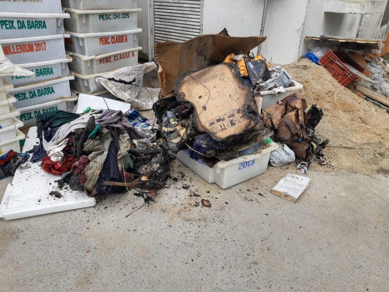 Por sorte, uma viatura do Corpo de Bombeiros Voluntários de Joinville passava pelo local ao retornar de outra ocorrência e apagou rapidamente as chamas, evitando um prejuízo maior. - Juliano Masselai/NDTV/ND