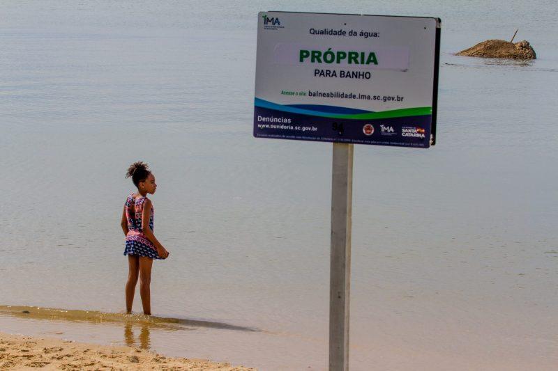 A área é tida como balneável, mas pouca gente tem se arriscado no local - Foto Flavio Tin/ND